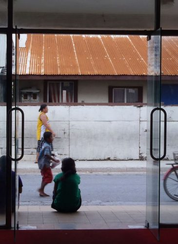 A streetscape in Ebeye, Marshall Islands, February 2012. (Photo: Erin Magee/DFAT)